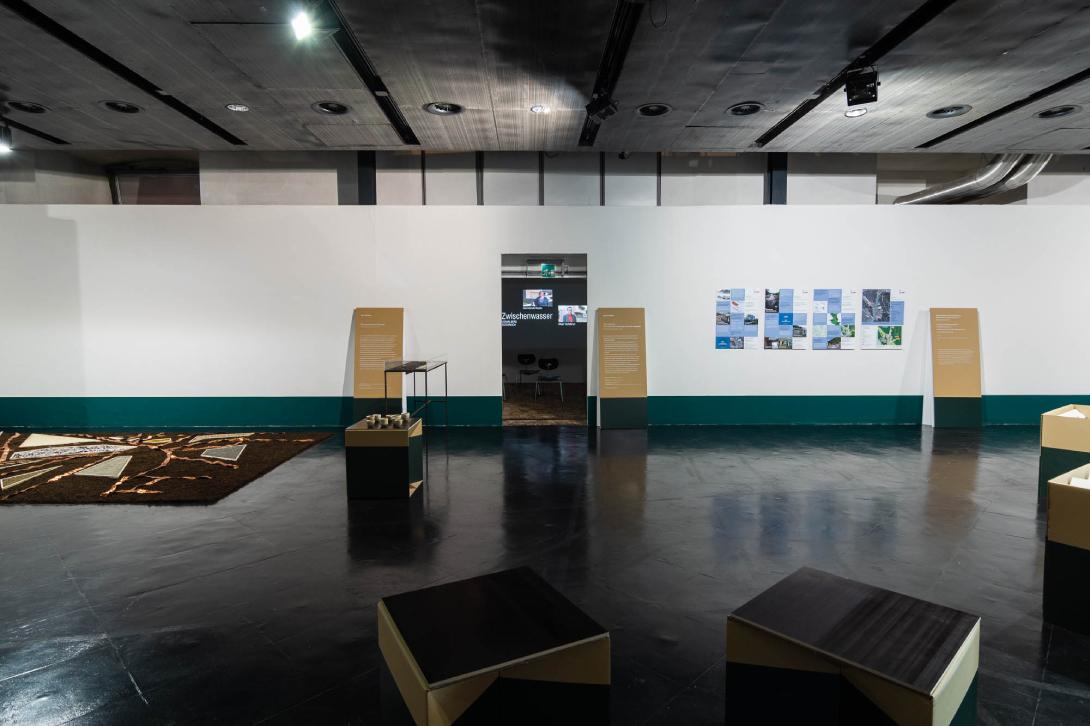 claudia berta_guggi_genger_bodenstaendig_exhibition design_06