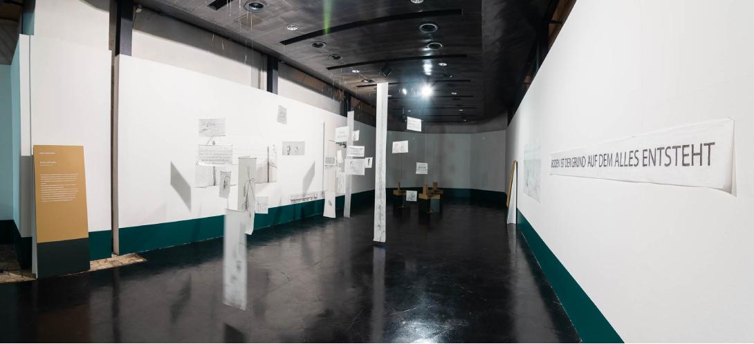 claudia berta_guggi_genger_bodenstaendig_exhibition design_09